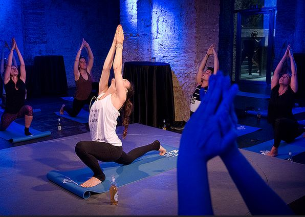 Vino e Yoga: una tendenza in aumento
